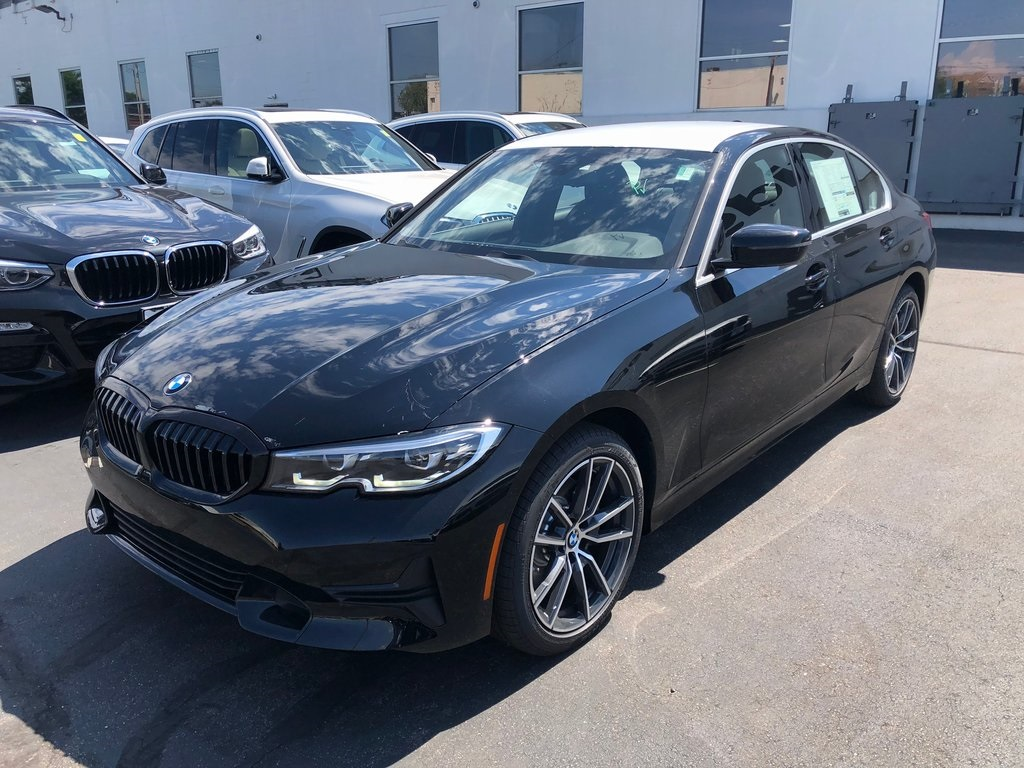 <center><b>New 2019 BMW 3 Series 330i xDrive</b></center>