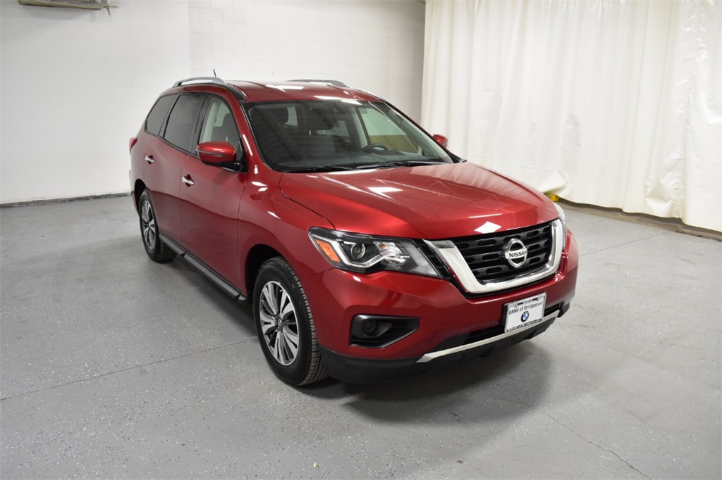 Pre-Owned 2017 Nissan Pathfinder 4x4 S