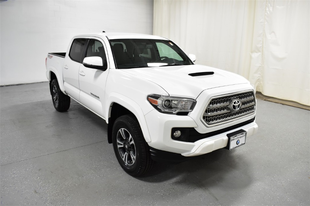 Pre-Owned 2017 Toyota Tacoma TRD Sport Double Cab 5' Bed V6 4x4