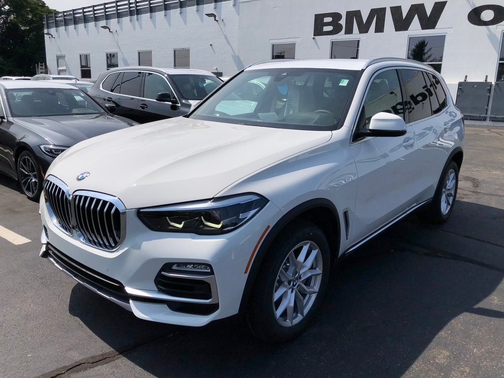 <center><b>New 2019 BMW X5 xDrive40i</b></center>