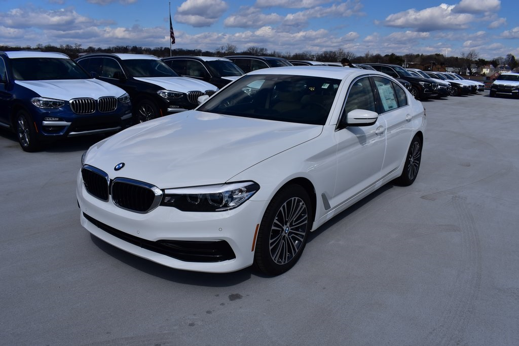 <center><b>New 2019 BMW 5 Series 530i xDrive</b></center>