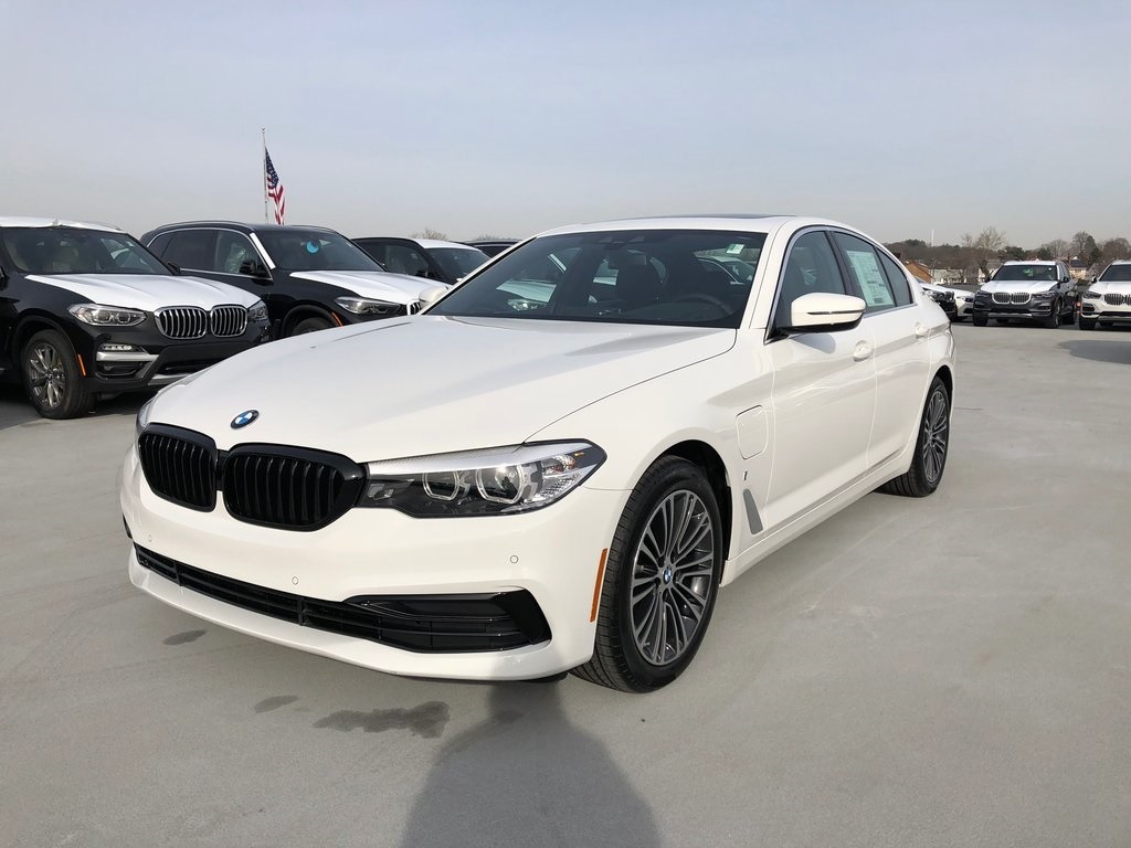 <center><b>New 2019 BMW 5 Series 530e xDrive iPerformance</b></center>